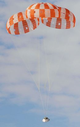 Test of Orion spacecraft parachutes