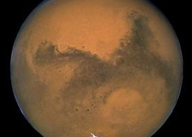 NASA 'closer' on Mars mission